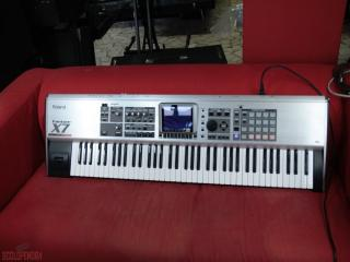 roland fantom  x7 + hard case