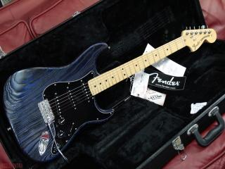 fender stratocaster  sand blasted limited edition  2014