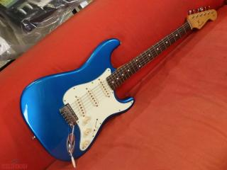 fender stratocaster crafted in japan anni 90